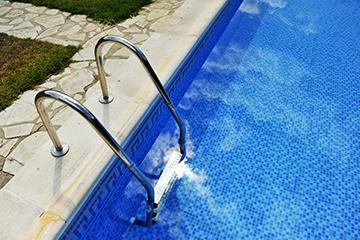 Pool zubeh r edelstahlleitern baumarkt nadlinger for Obi poolleiter